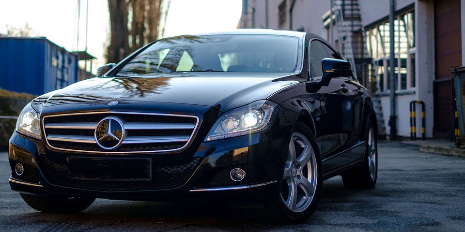Executive saloon taxi from Southampton Airport